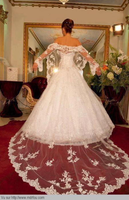 Magnifique la robe de cette mariée