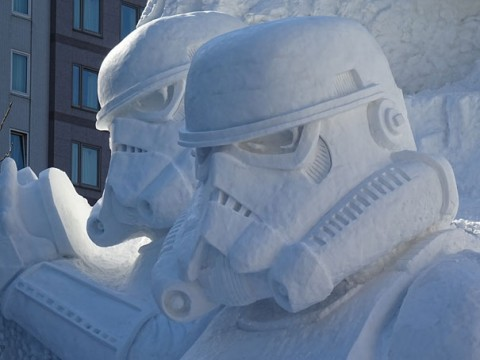03-giant-star-wars-snow-sculpture-sapporo-festival-japan
